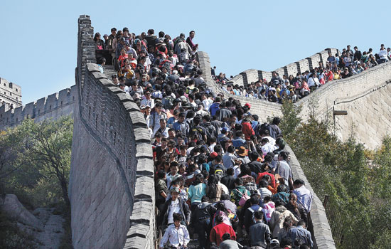 Dense crowds on the Great Wall of China
