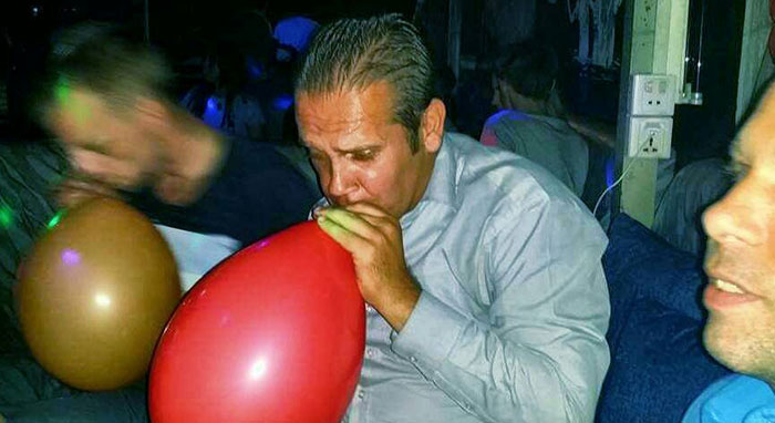 Huffing helium